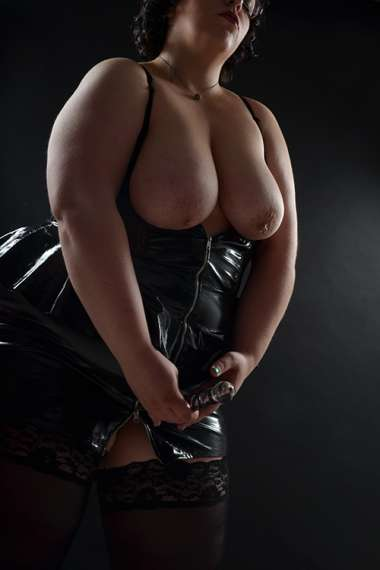 domina-escort-molly-5.jpg